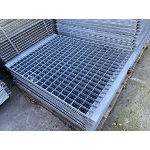 Gitterrostboden mit Winkelkragen 1155x810x30mm / Regaltiefe 1200mm